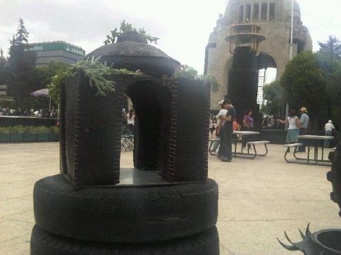 monumento de llanta